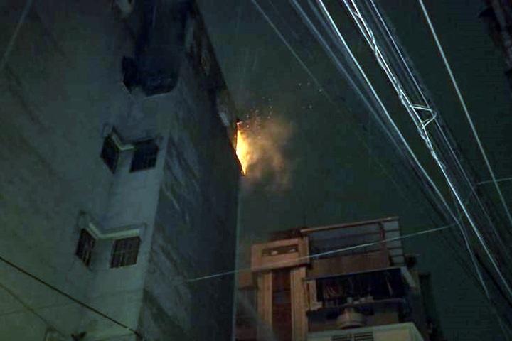 5樓公寓大火延燒頂加  2受困民眾平安獲救