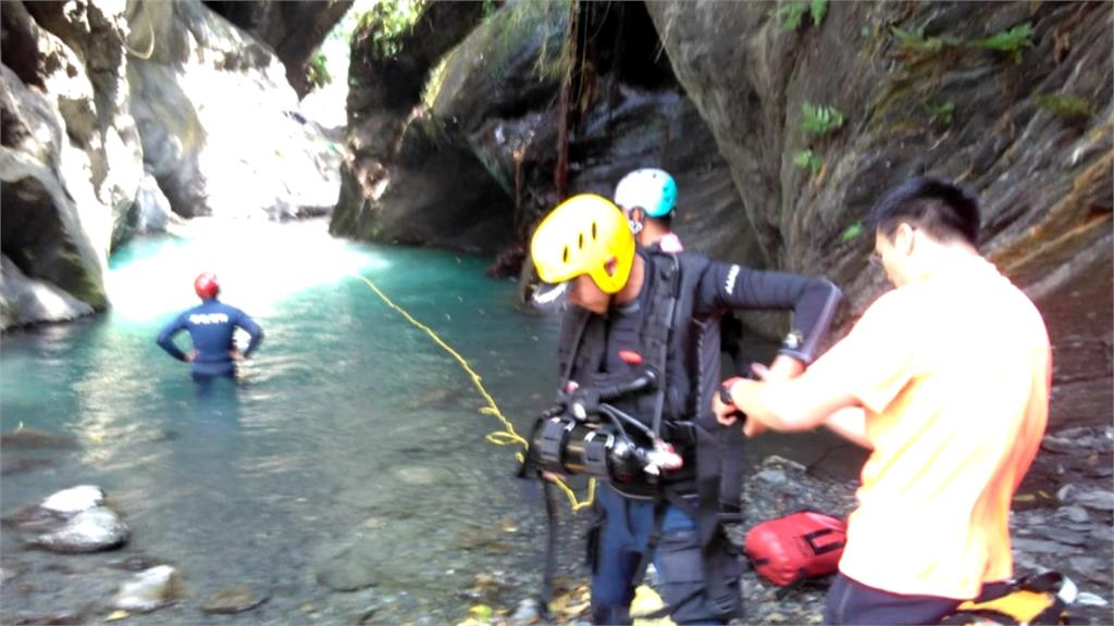 屏東神山瀑布溺水意外 20歲男子送醫搶救