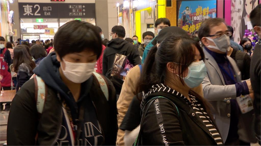 動漫節民眾自主戴口罩  量額溫、消毒才能入場