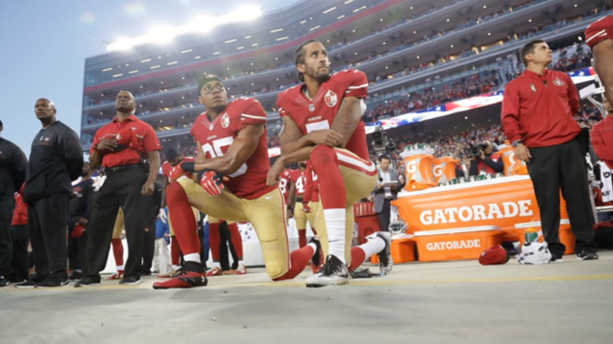 抗議種族歧視兩年沒球踢 NFL鼓勵重簽卡普尼克遭川普酸言