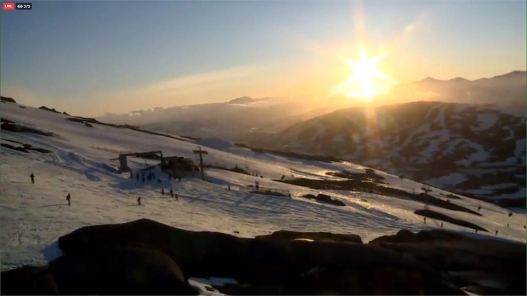 慶祝仲夏節!瑞典北極圈滑雪場 開到深夜也不用點燈