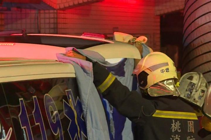 消防隊員林伯庭殉職 家屬、同袍急奔醫院