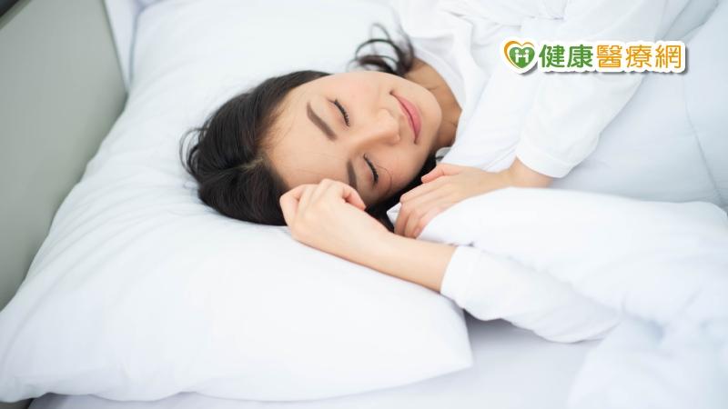 睡不好怎麼打拼?營養師推這5種助眠食物