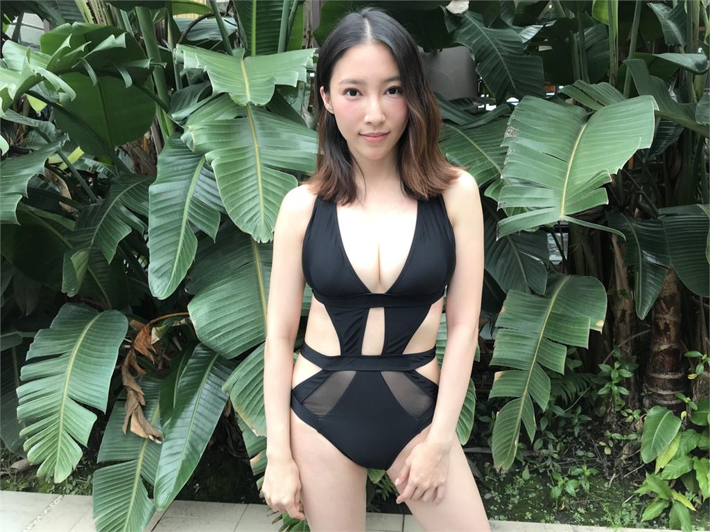 《綜藝新時代》女星泳裝爭奇鬥艷 壞女人張家瑋E彈超搶鏡頭