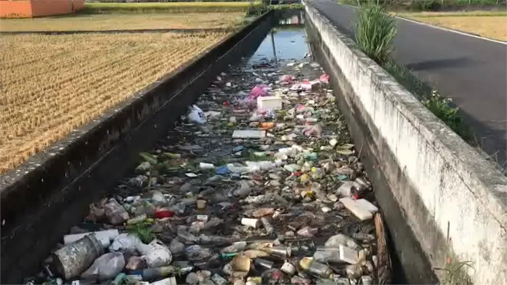 五結鄉溝渠垃圾滿堆  居民怨臭氣沖天
