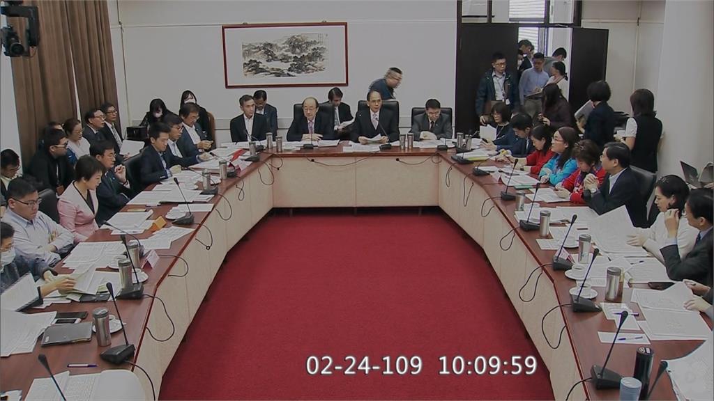 游錫堃首次主持朝野協商 紓困條例拚25日三讀