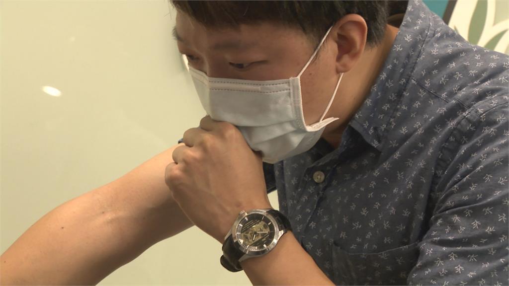 咳不停要注意!指揮中心:國內超過一半確診患者會咳嗽
