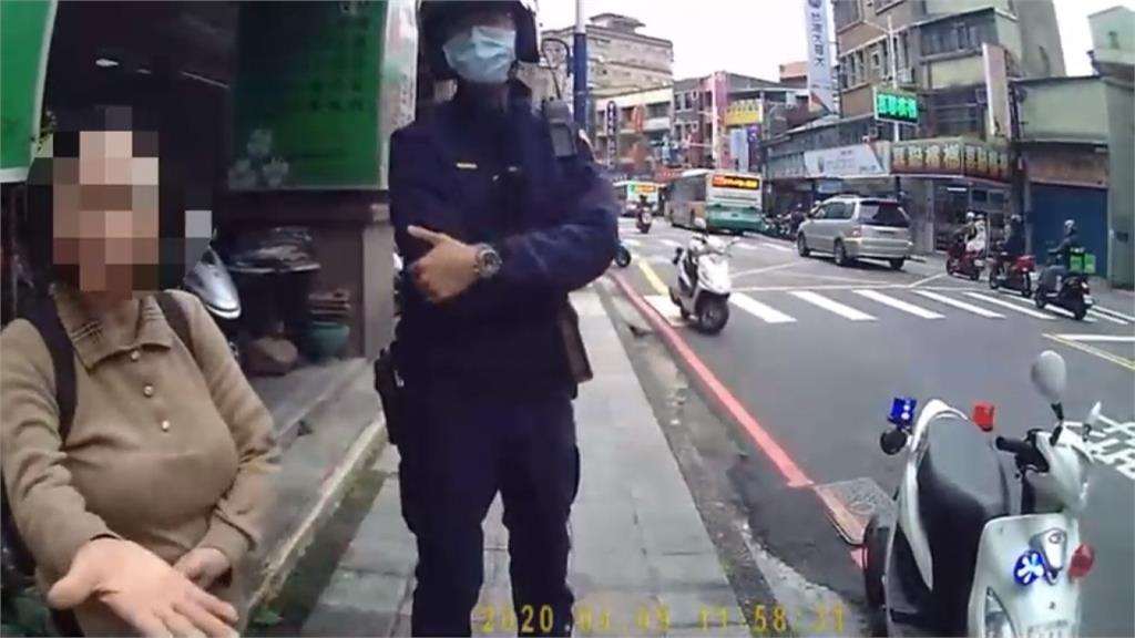 誇張!婦搭公車拒戴口罩 質疑警察身份還抓傷人