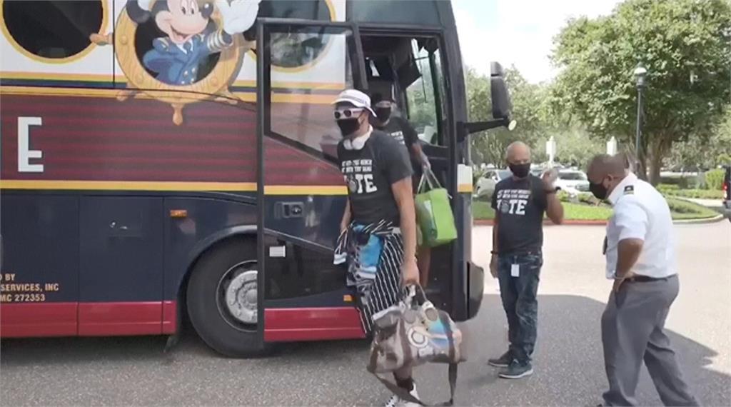NBA選手抵迪士尼 明星中鋒批評「集中開打」很不妥