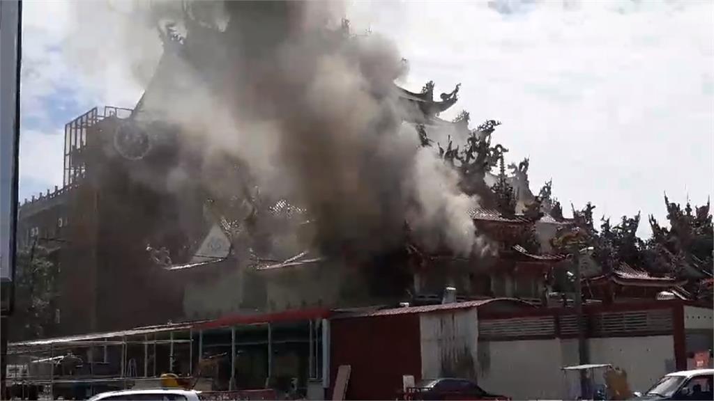 無人進入卻起火 北港武德宮鼓樓燒毀