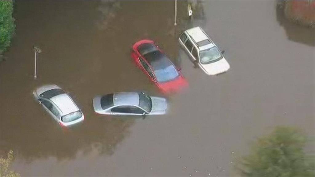 1天降1個月的雨量!英國英格蘭豪雨成災