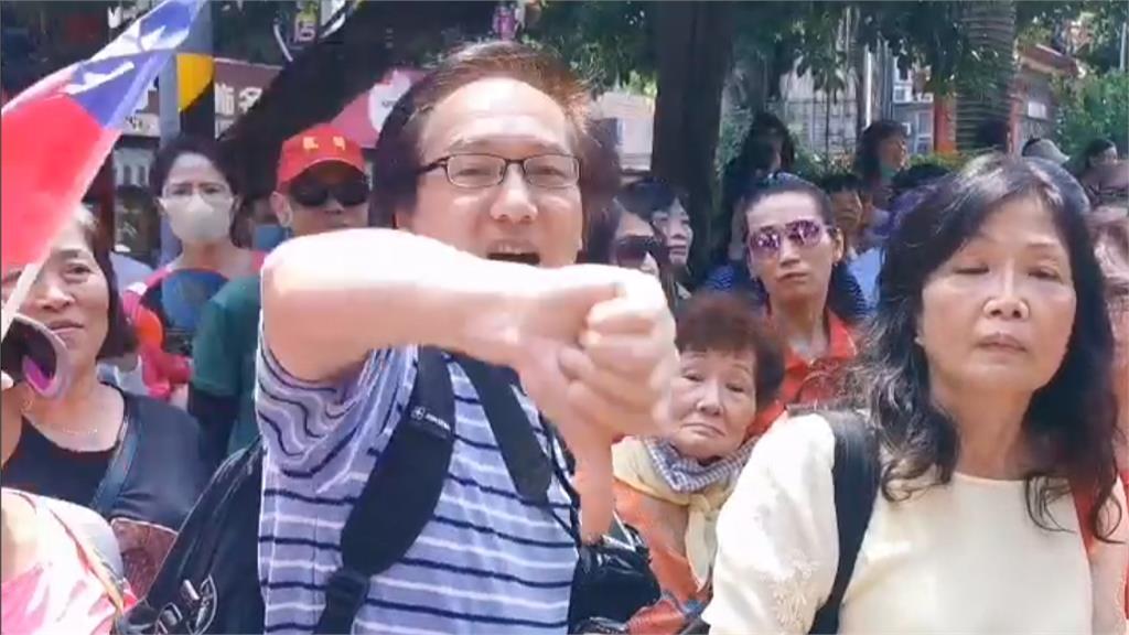 韓國瑜桃園造勢好尷尬 中國夫妻檔比倒讚嗆亡國佬