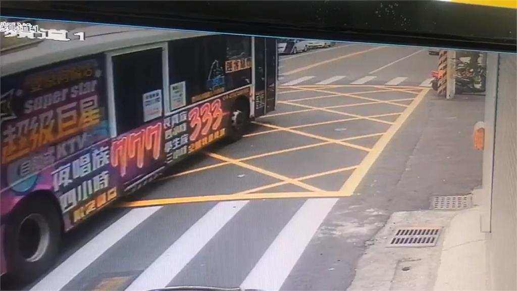 公車連環撞8車肇逃 司機做筆錄拒答竟是腦中風