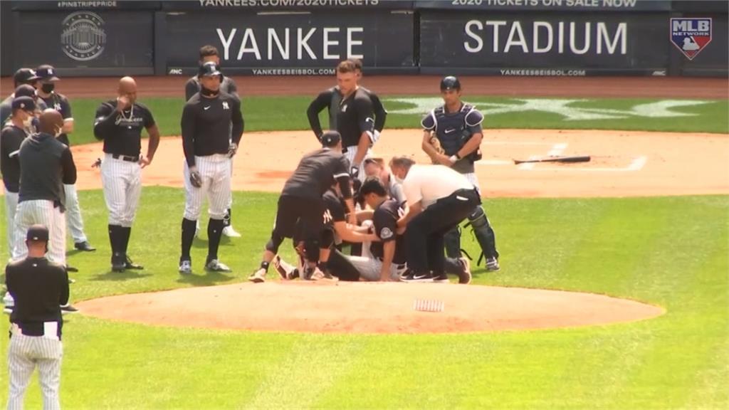 MLB/怪力巨砲強襲平飛球 命中田中頭部當場倒地