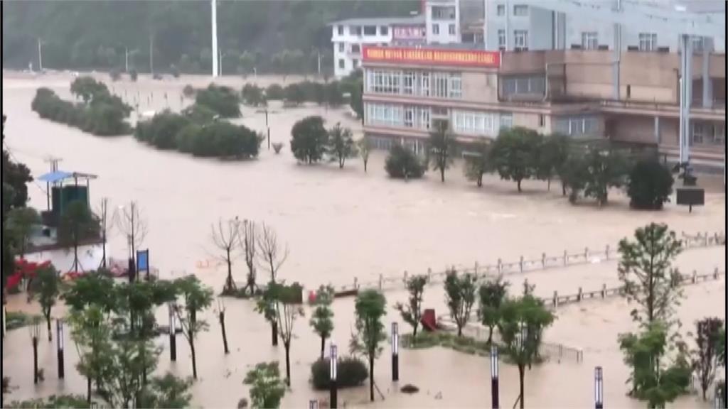 安徽防巢湖潰堤淹沒家園 當局開挖側堤分洪