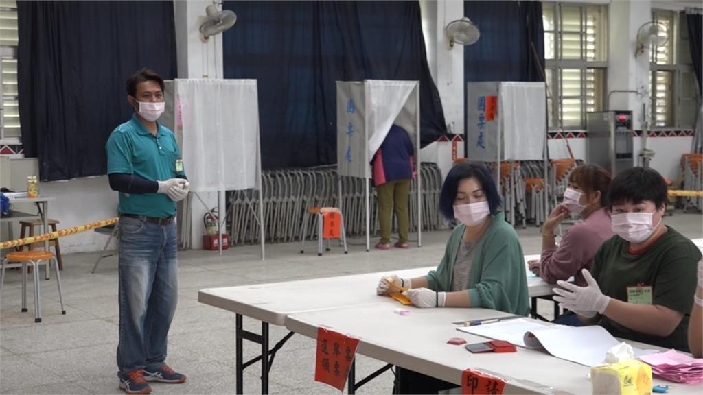花蓮豐濱鄉長補選做足防疫!勤消毒、投票間距1公尺