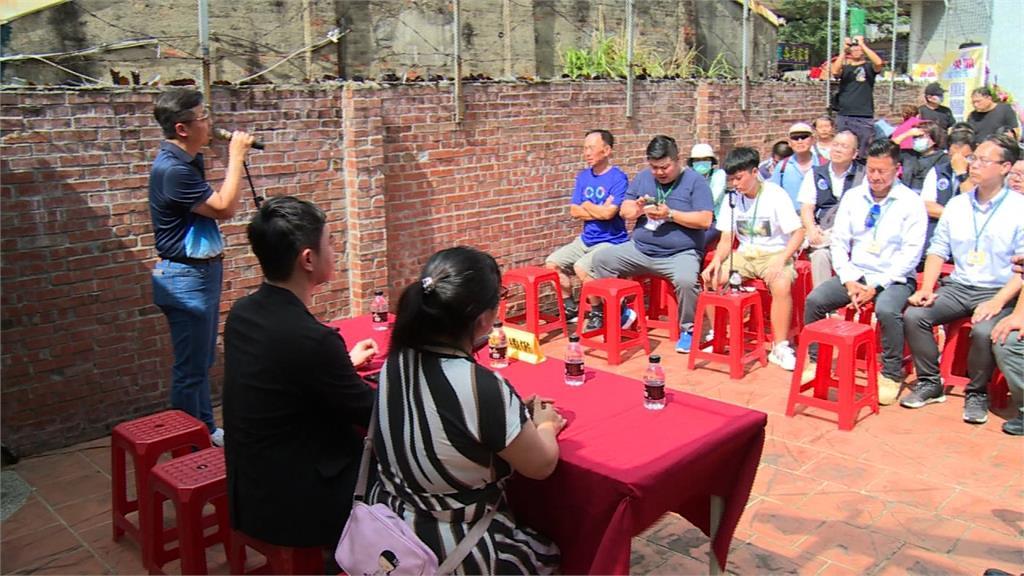 罷免王浩宇總部成立 僅百人出席場面冷清