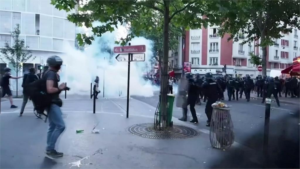 響應美國反歧視浪潮 巴黎2萬人上街爆衝突