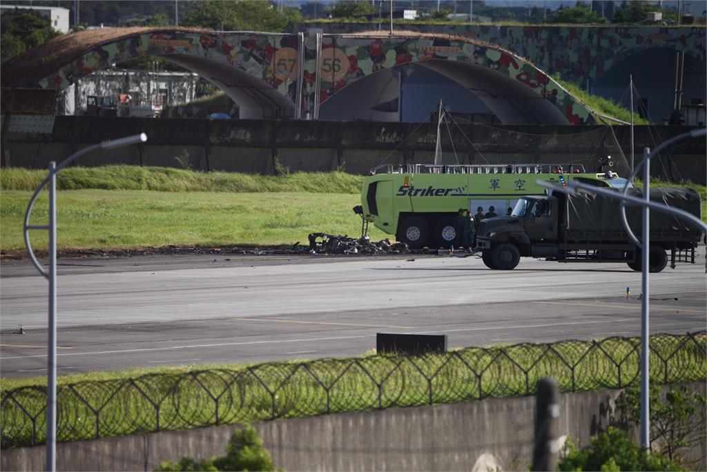 快新聞/OH-58D戰搜直升機墜毀2軍官殉職 陸軍司令部:該型直升機停飛安全特檢