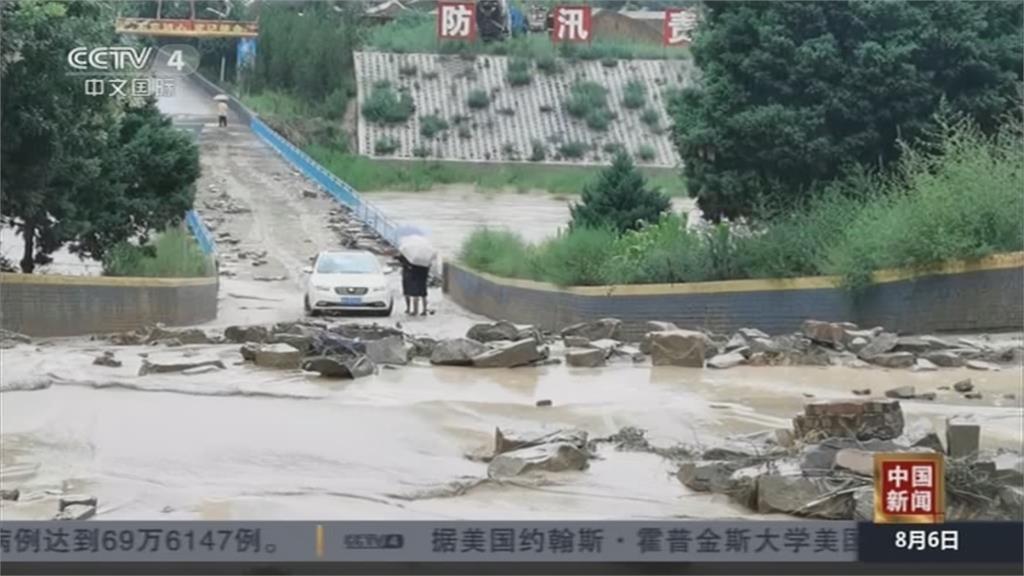 汛期、暴雨下不完...  山崩.路坍.淹水 災民欲哭無淚!