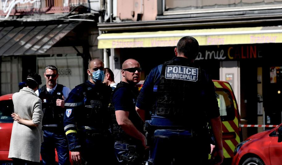 法國驚傳隨機殺人釀2死 蘇丹移民犯案後要求警方擊斃