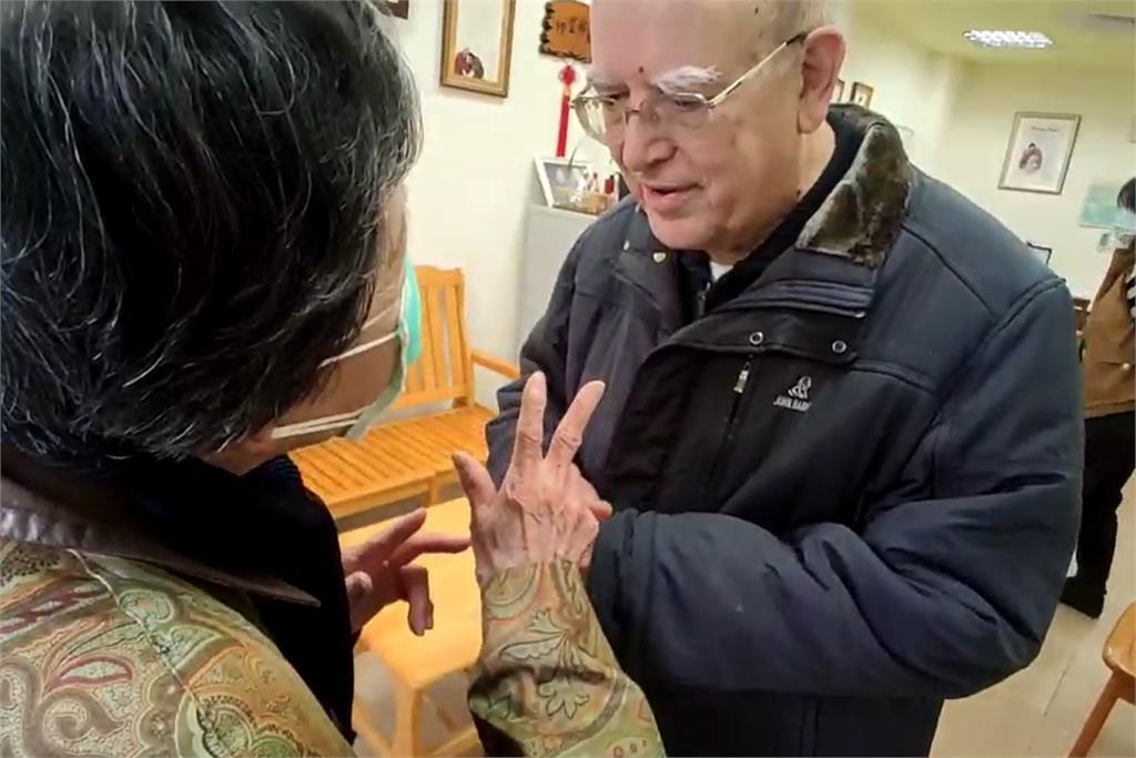 快新聞/台北嬤「捐30萬」還內疚只有一點點…義籍神父呂若瑟一聽秒感謝:很多了!
