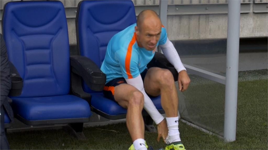 足球/36歲荷蘭小飛俠羅本 退休又復出回老東家