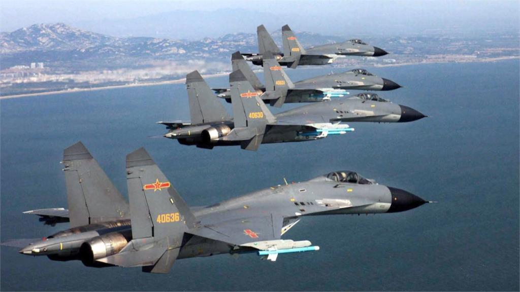 中國軍機又來!分兩路線飛經巴士海峽