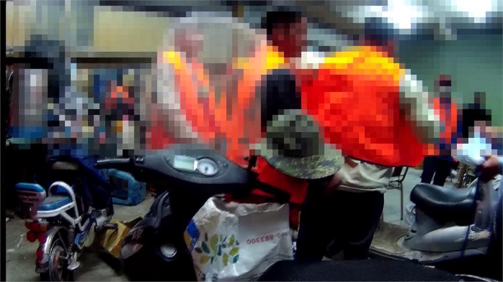 賭客聚賭沒戴口罩 疫區嫌犯押回國分棟隔離