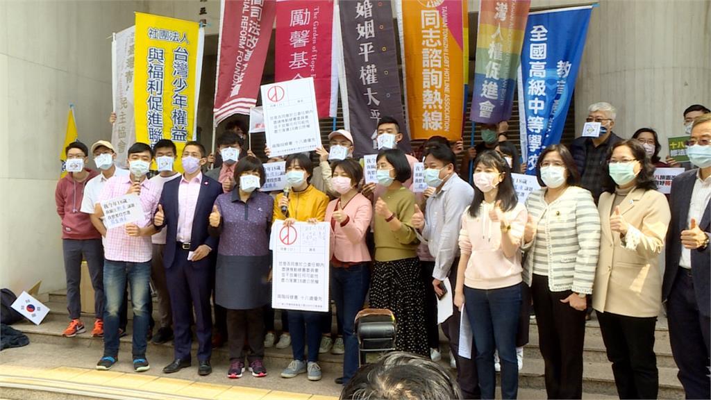 朝野立委力挺「18歲公民權」 吳怡農現身:以公民團體身分持續監督