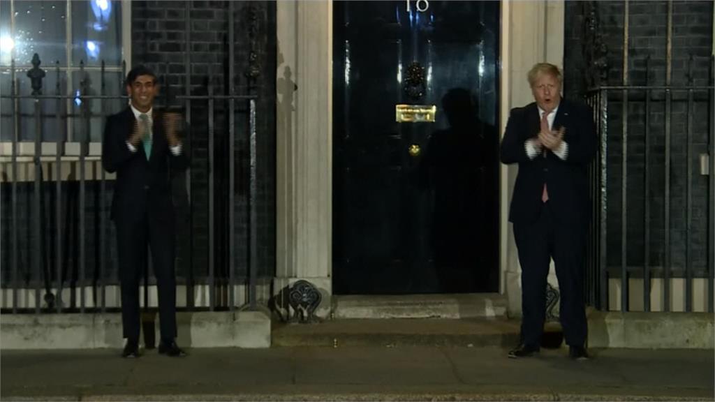 向第一線醫護致敬!英國首相強森響應「鼓掌活動」