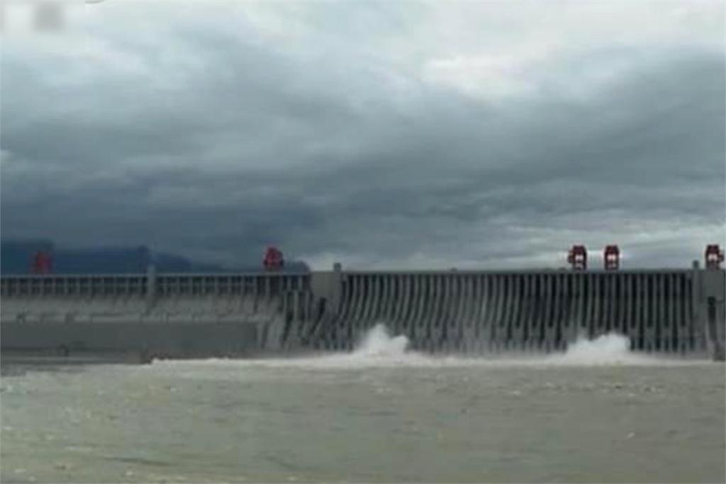 快新聞/<em>三峽大壩</em>剉咧等! 長江2020年第3號洪水形成 明晚入庫流量超驚人