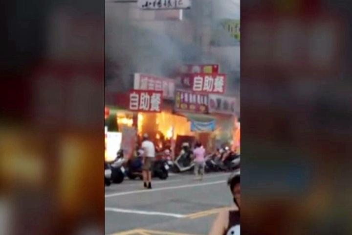 台中大里黑輪店傳火警 九旬老翁嗆傷送醫