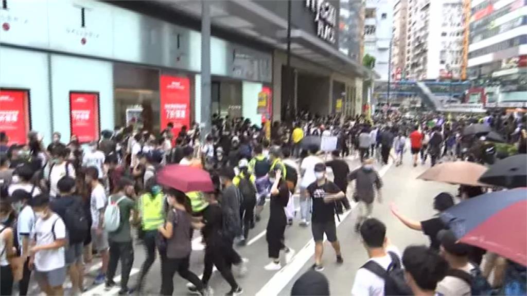 反港版國安法!香港大批民眾上街示威 港警逮捕超過百人