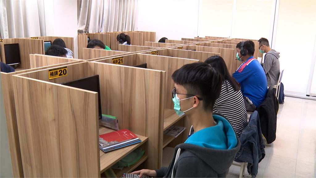 迎開學嚴陣以待 補習班每家配給50片口罩