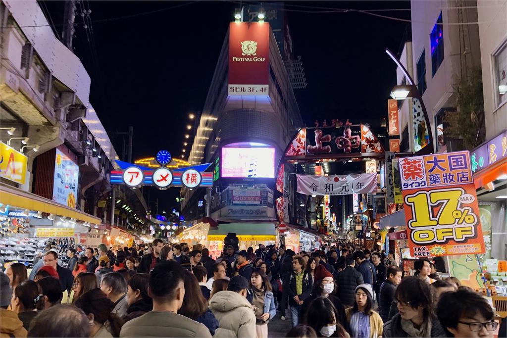 快新聞/日本東京再添143人染疫 菅義偉證實「有部分確診者失聯」