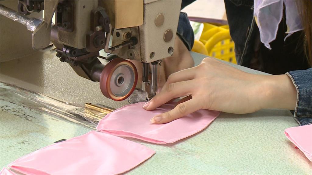 寢具觀光工廠生產口罩套 成本價助防疫