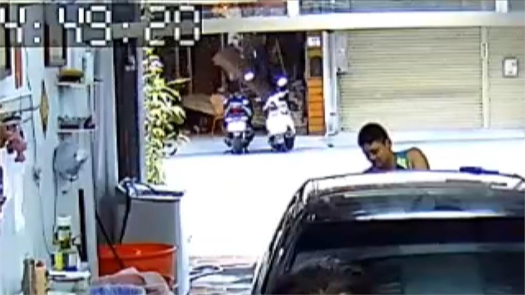 民宿裝修木板壓倒老闆娘 對街洗車店員工救人