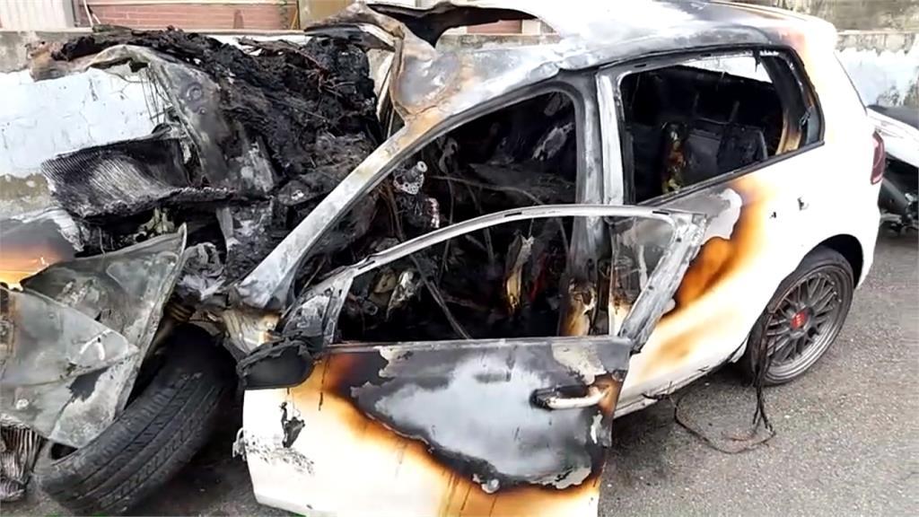 瞬間變火球!桃園轎車飆速過彎自撞釀火燒車 3人成焦屍