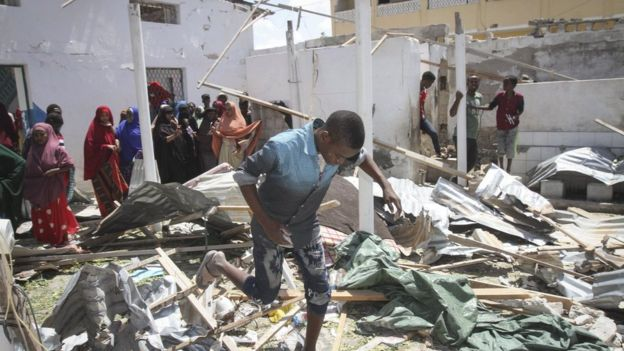 索馬利亞首府遭自殺炸彈攻擊 至少6人死亡