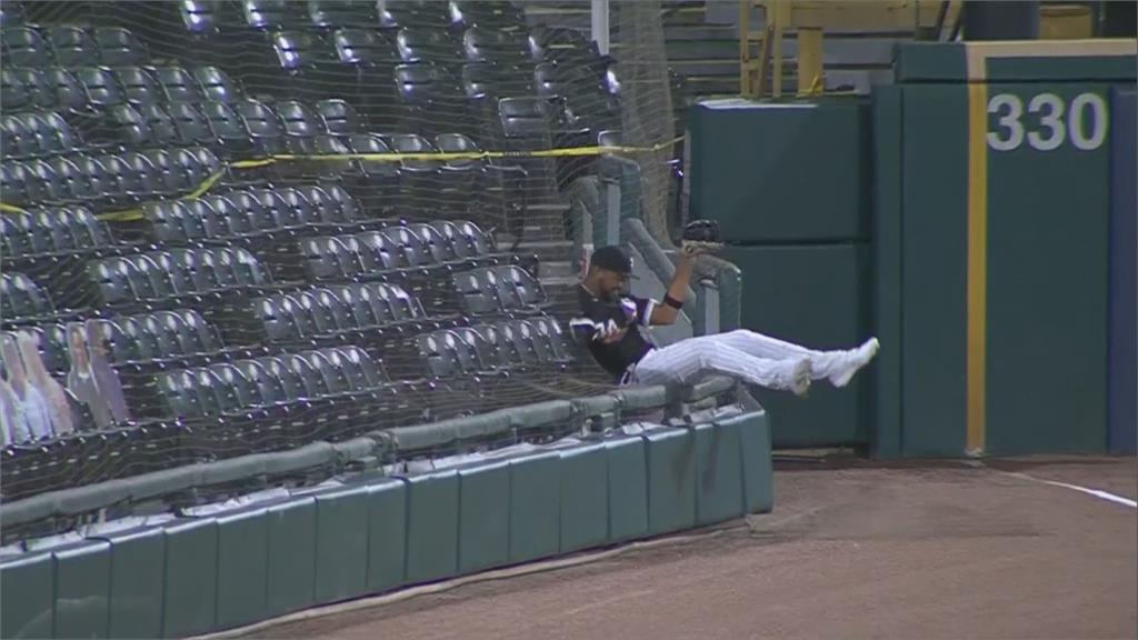 MLB/白襪左外野手追球「掛網」  葉立奇跑出幸運全壘打