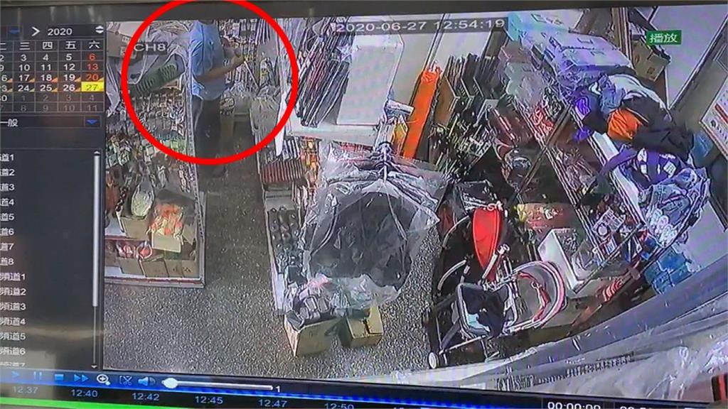 賊偷高價蝦杆藏褲中 監視器全都錄