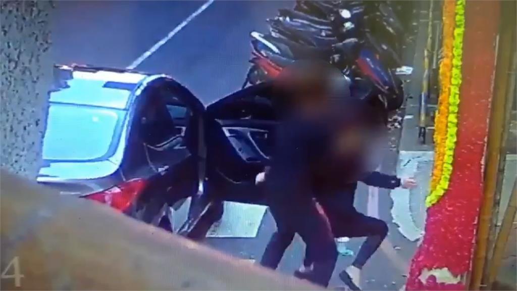 恐怖情人!女屢遭施暴 又被強押上車逼復合