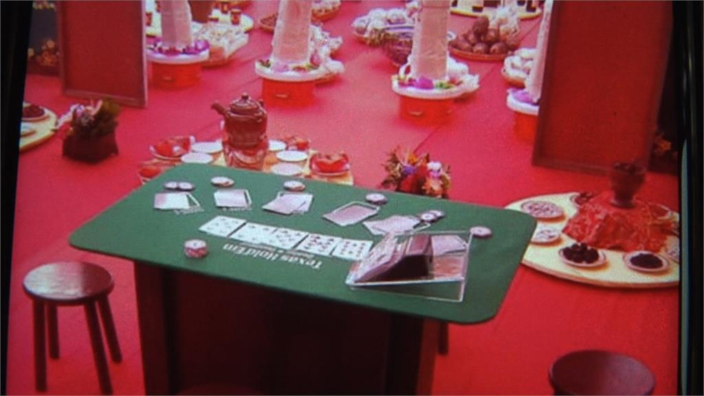 款待「好賭好兄弟」 宮廟建醮擺設各式賭桌