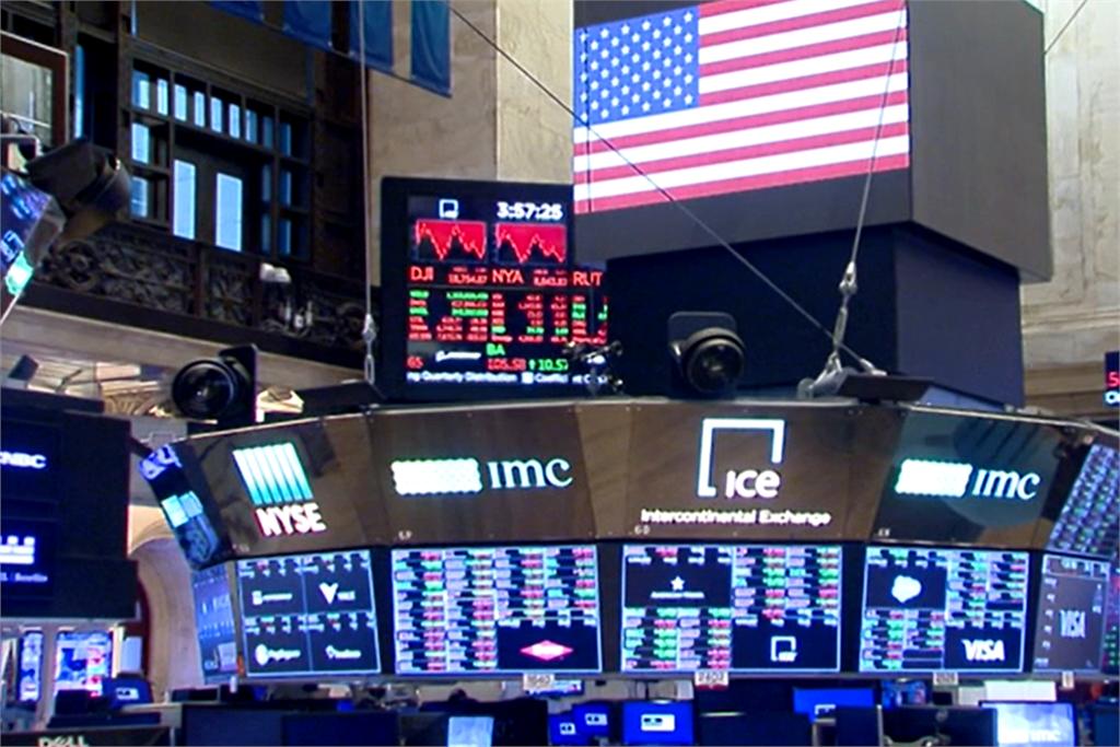 快新聞/華爾街股市震盪多收低 那斯達克漲破萬點創新紀錄