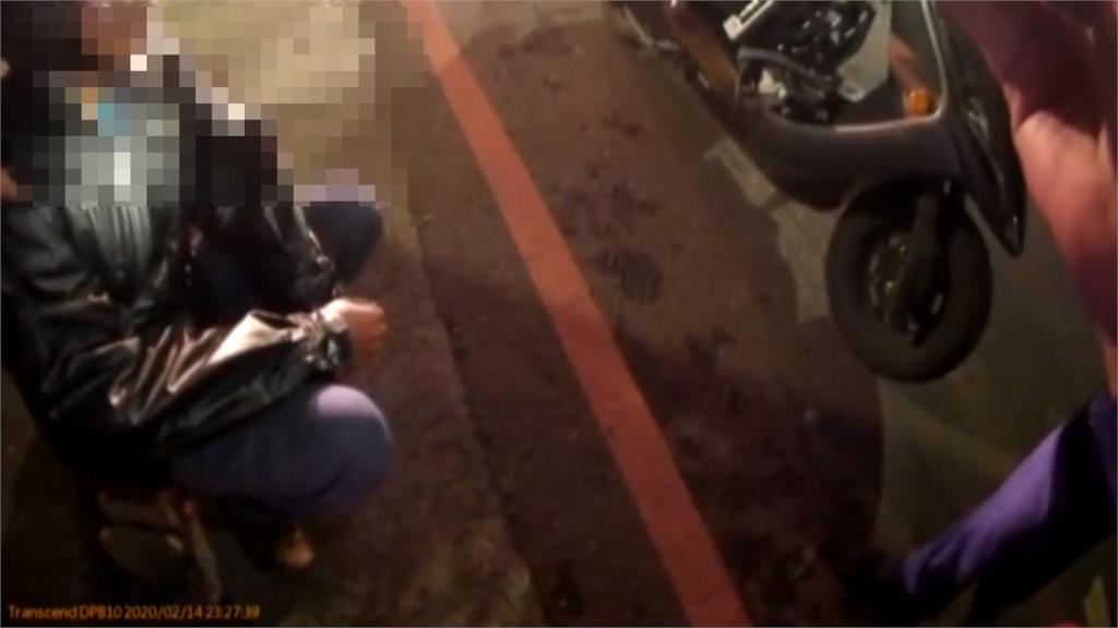 騎士塑膠袋包成人娃娃 員警疑棄屍呼叫警網