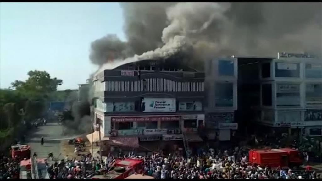 印度購物中心大火 至少19死20人傷送醫