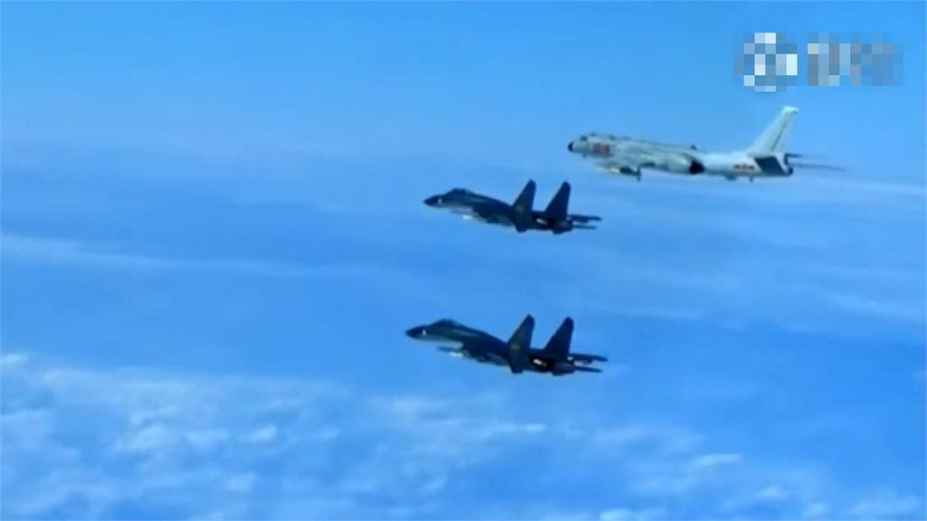 中軍機14天8度擾台 美3航母集結菲律賓海反制?