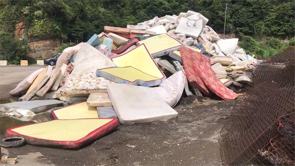 廢棄床墊大增近3成!基隆環保局叫苦連天