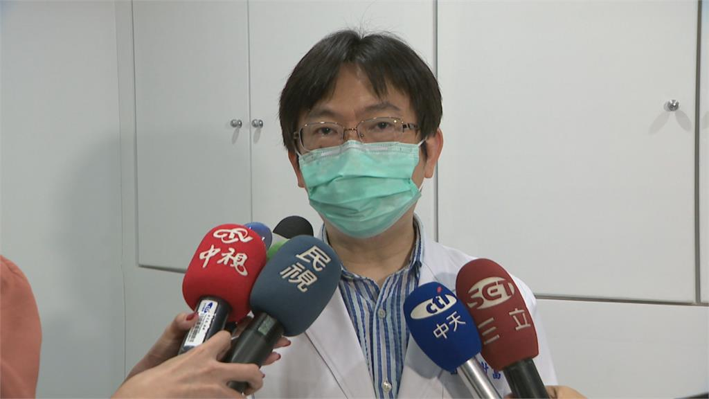 中藥敷臉紅腫發炎...以為在「排毒」38歲女皮膚潰爛急求救